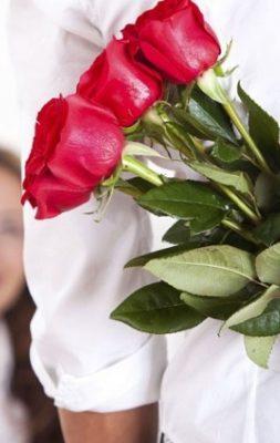 Как продлить срок жизни букета из роз